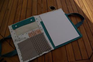 http://www.sohome-made.blogspot.fr/2013/07/cadeaux-par-ci-par-la.html