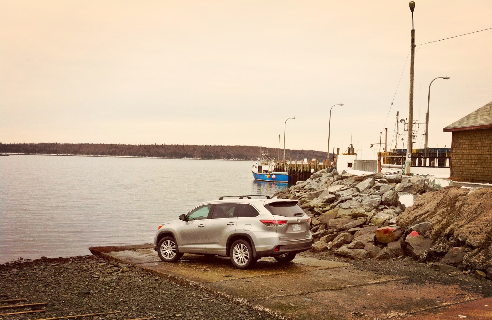2014 Toyota Highlander XLE boat launch