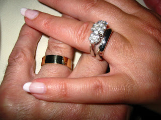 what is the proper way to wear wedding ring set popular wedding - How To Wear Wedding Ring Set