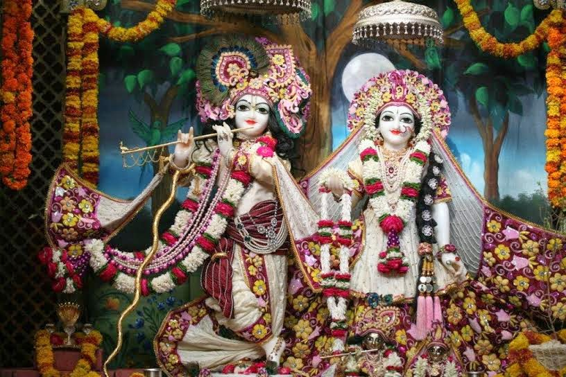 Full View of Sri Sri Radha Vrindavana Chandra [Sri Krishna and Srimati Radha Rani]
