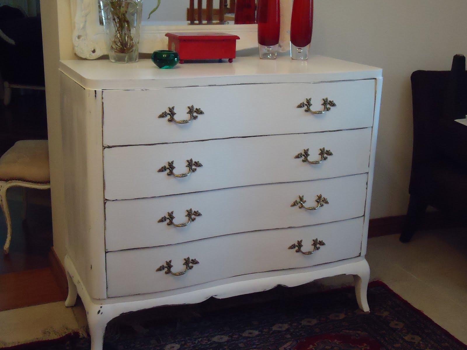 Vintouch muebles reciclados pintados a mano c moda - Comodas antiguas blancas ...