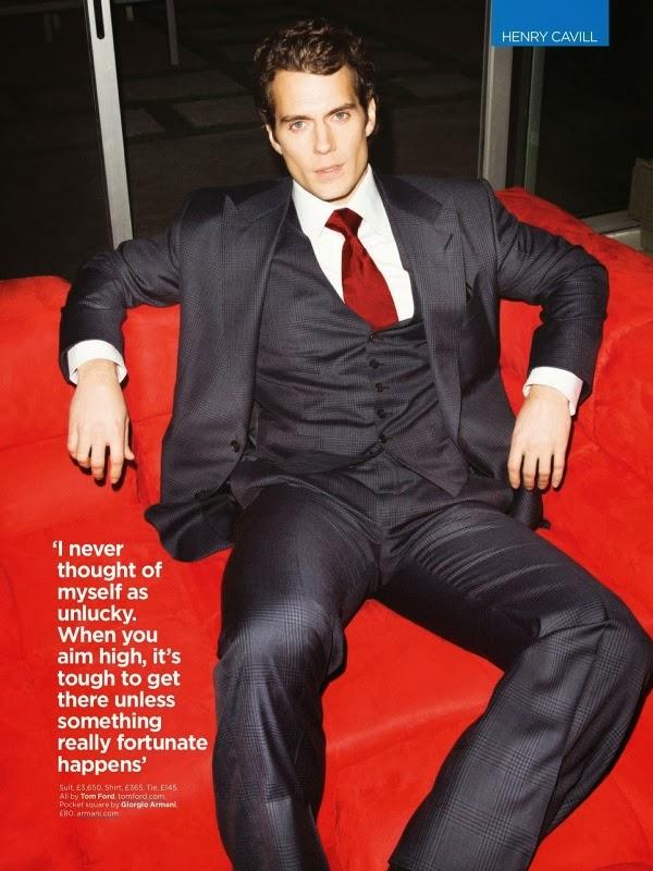 Henry Cavill luce traje como el hombre el más sexy de 2013