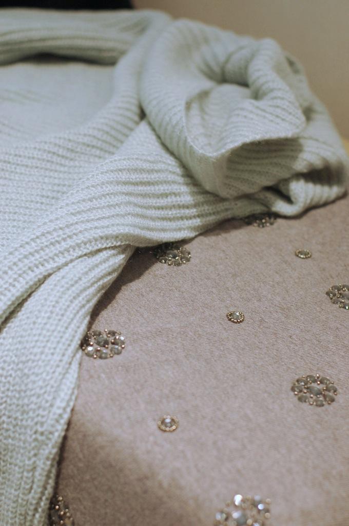 Le Château sweater sparkle