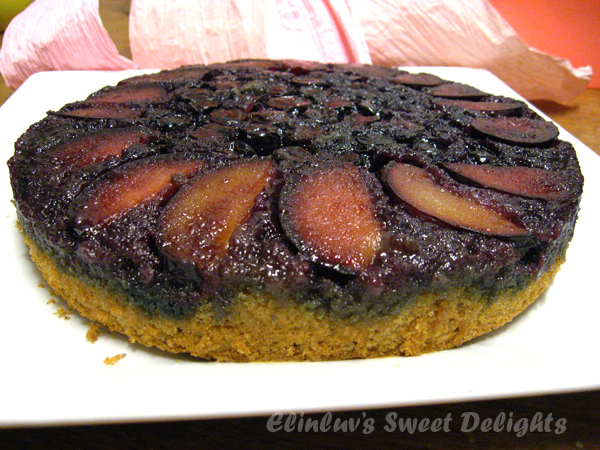 Elinluv's Sweet Delights: Plum Blueberry Upside-Down Cake