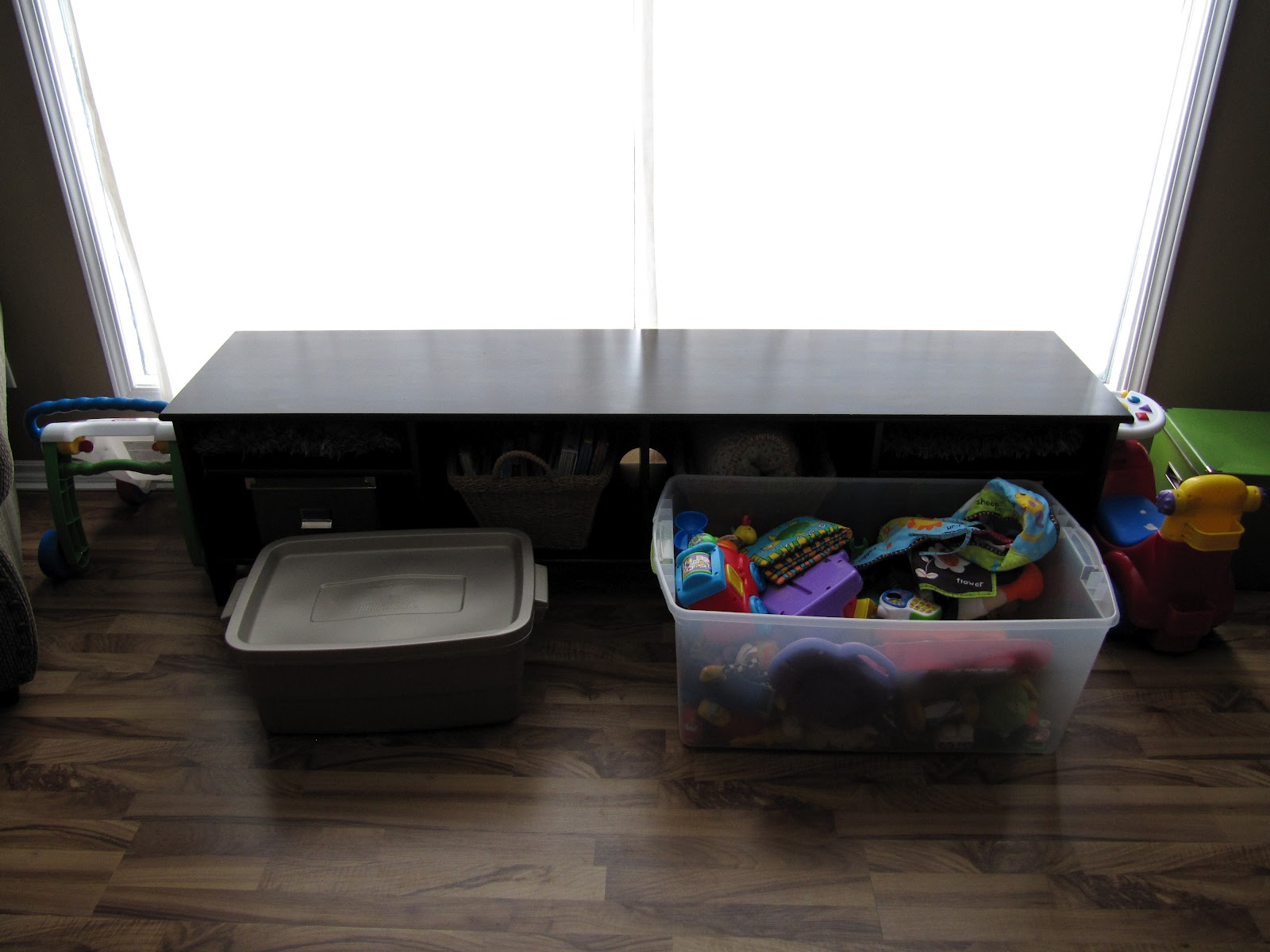 Simple Is Pretty Living Room Toy Storage