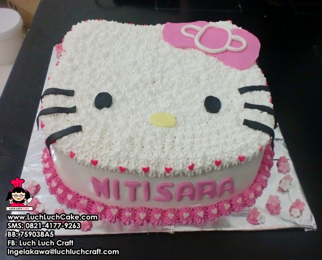 kue tart kepala hello kitty