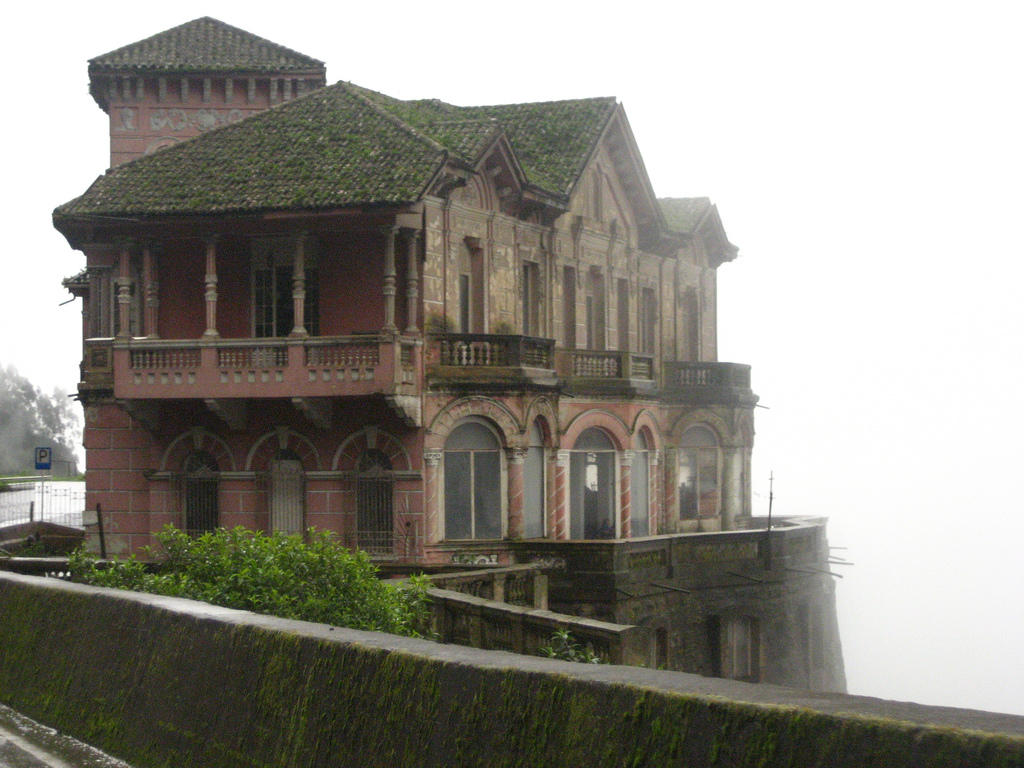 Deserted places the haunted hotel at tequendama falls - Casas del salto ...