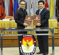 penandatanganan Nota Kesepahaman atau Memorandum of Understanding (MoU) antara Komisi Pemilihan Umum (KPU) dengan Kementerian Luar Negeri (Kemenlu)