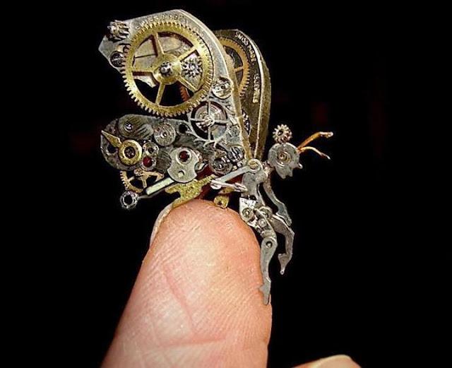 Artista usa partes de relógios antigos para criar incríveis esculturas steampunk