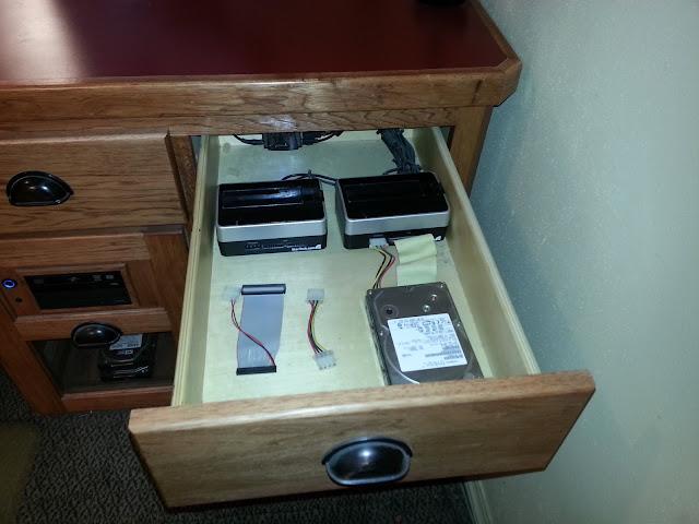 Rudy easy computer built into desk plans wood plans us uk ca for Custom plans