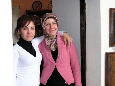 Muslim women, women show