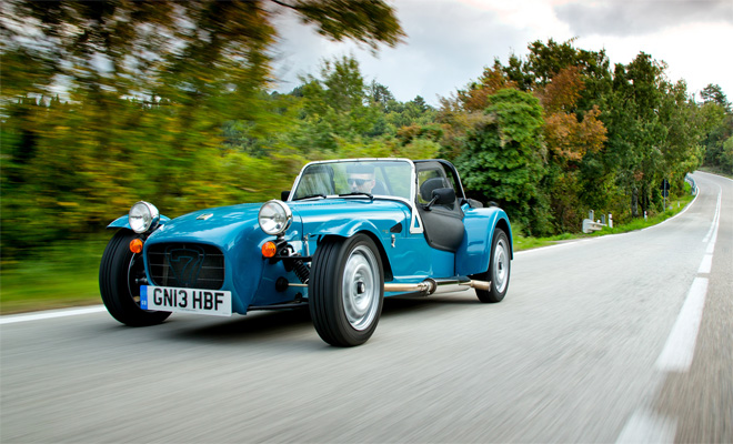 Caterham Seven 160 driving