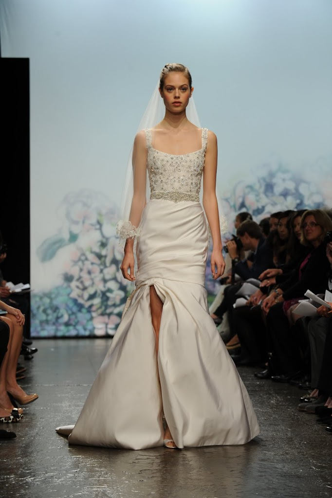 Monique_Lhuillier_Wedding_Dress_Satin_Beaded
