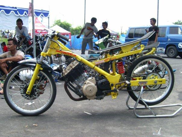 foto mengenai mmodifikasi motor fiz r gambar modifikasi motor fiz r title=