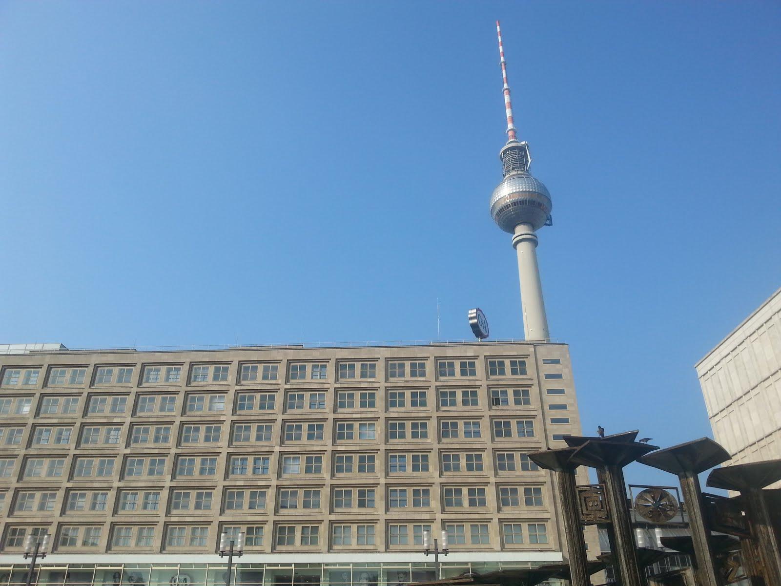 ברלין בבוקר קיצי, מגדל הטלביזיה