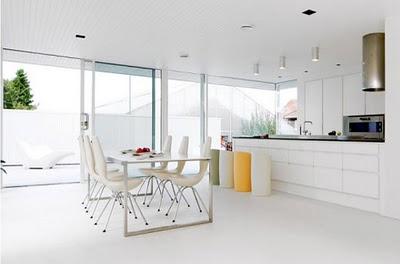 Decoraci n de habitaciones blancas casas decoracion - Decoracion paredes blancas ...