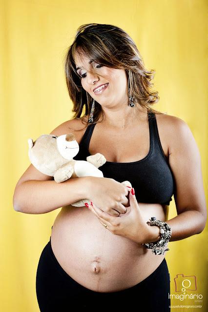 book de gestante, book de grávidas, fotos de grávidas, fotos de gestantes, gravidez, ensaio natural, ensaio com o marido, estúdios para fazer fotos  de grávida
