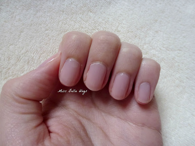 Nails of the Day - Miss Bella blogs