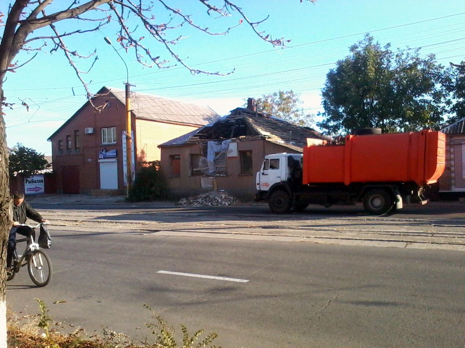 Фото разрушений в центре луганска 6