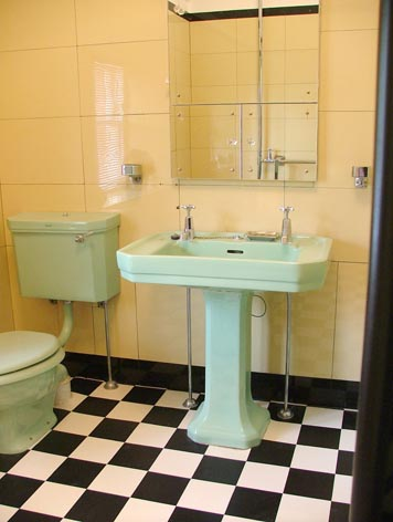 Art Deco Bathrooms » Collar City Brownstone