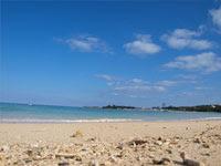沖縄の白い砂浜 | 海水浴などのイラスト・写真素材。無料で商用可