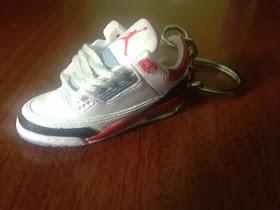 llaveros de zapatos nike