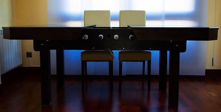 Marzua un futbol n integrado en la mesa del comedor - Futbolines para casa ...