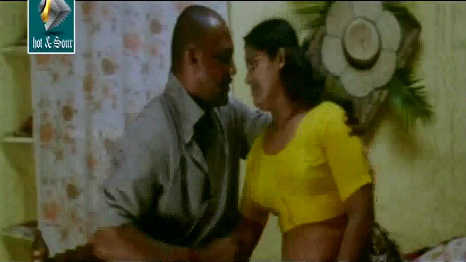 Mallu Reshma Hot Sharmili Aunty In Yellow Blouse