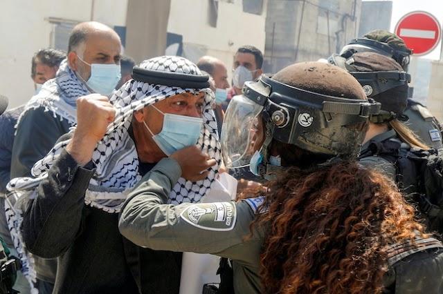 Israel Halangi Azan Di Masjidil Al-Aqsa : Palestina Ujar Bisa Perang Agama   LihatSaja.com