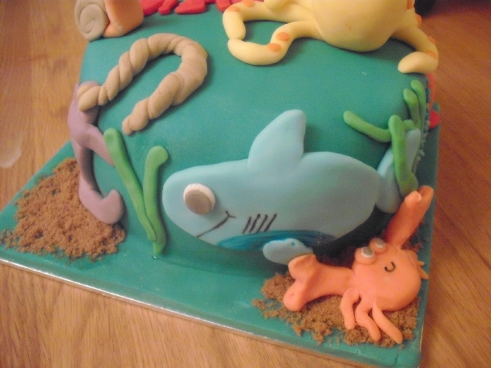 Cake Art Plastic Icing Review : THE CUPCAKE QUEEN: Silver Spoons Mich Turner Range Review ...
