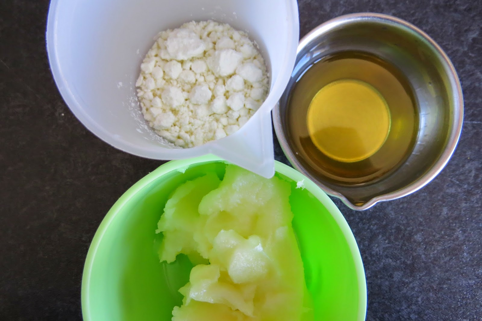 biotytille savon sp cial visage au lait d 39 nesse et au beurre de karit. Black Bedroom Furniture Sets. Home Design Ideas