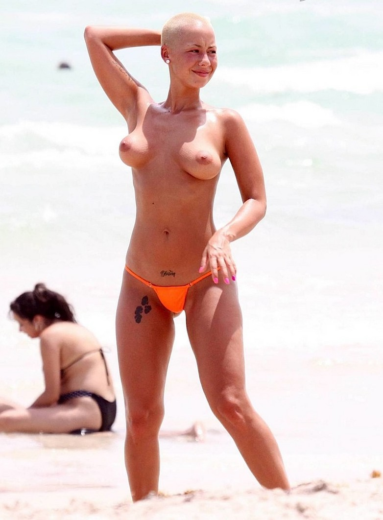 free nude pics of amber rose