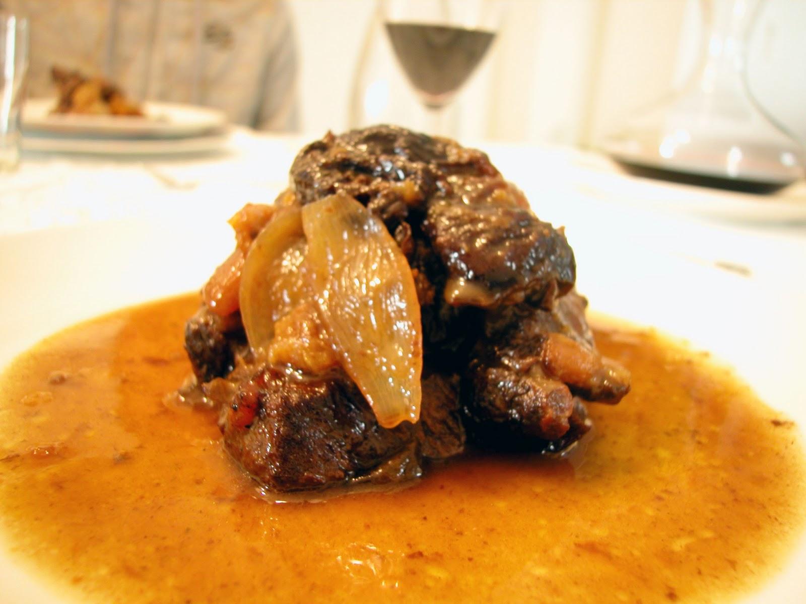 Espalda de ternera asada al horno con ciruelas y orejones - Hoya para cocinar ...