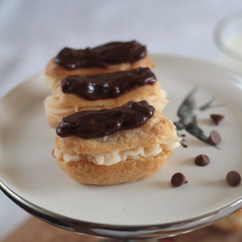 eat pray bake: Mini Chocolate Eclairs & Mutiny