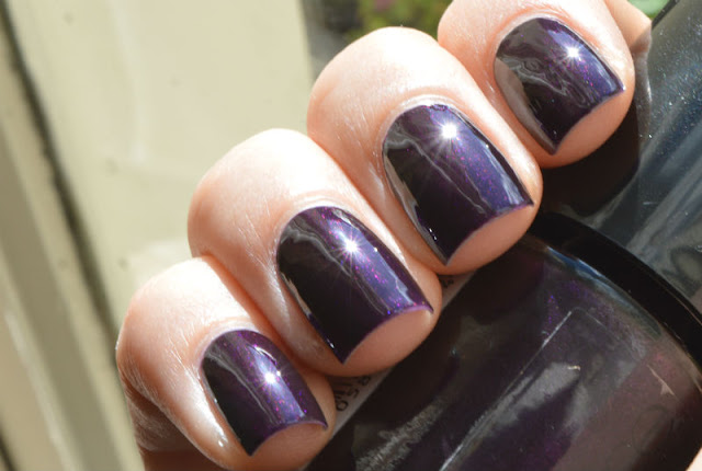 Catrice The Dark Knight swatch