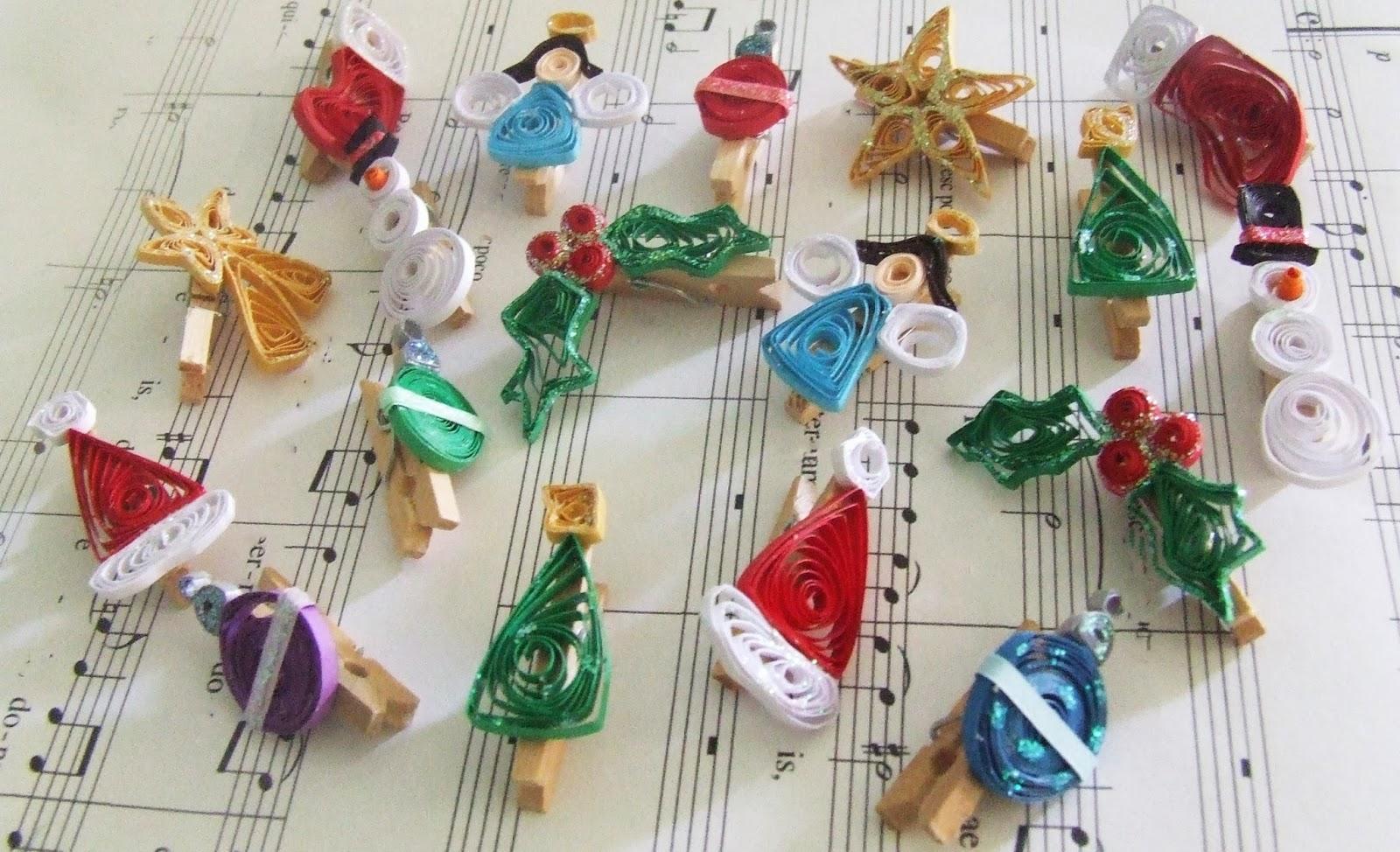 Polka Dot Parasol Designs: Week Fifty: Christmas Card Pegs