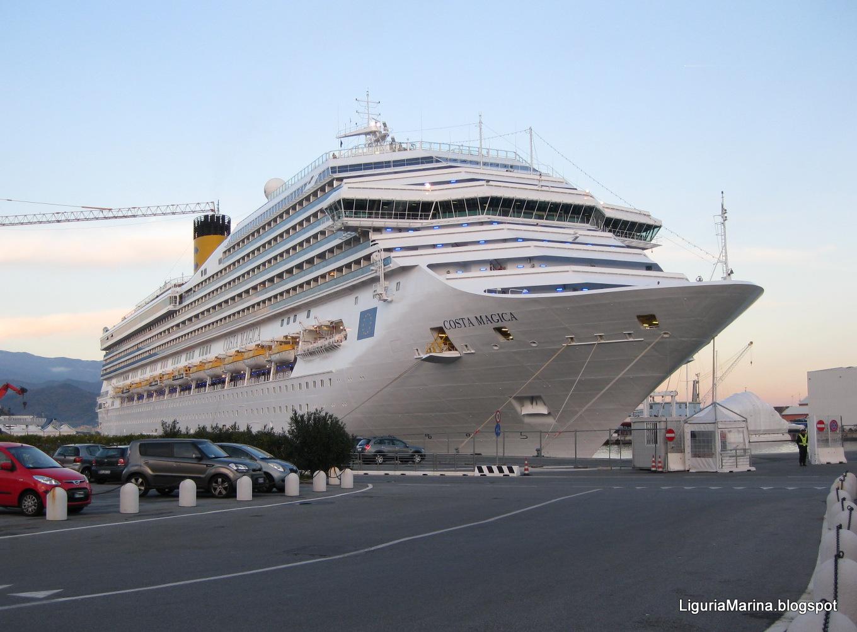 Liguriamarina il porto di savona e le sue navi for Costa magica immagini