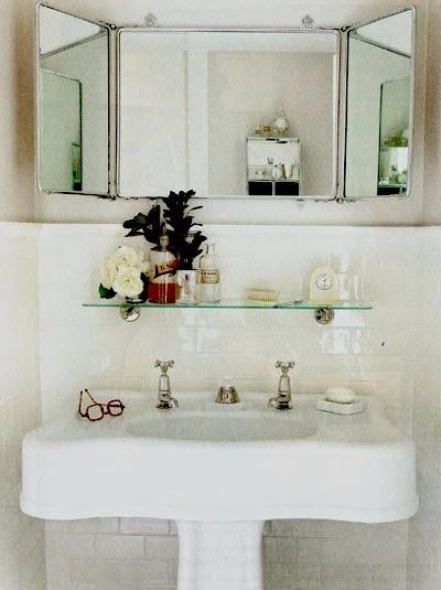Nossa Casa de Juntados Ideias para banheiro pequeno -> Decoracao De Banheiro Com Prateleiras De Vidro