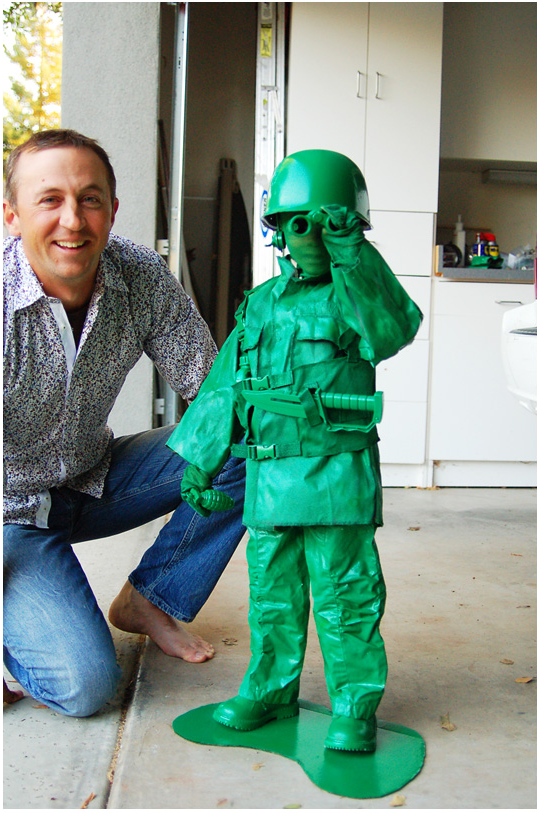 rebekah tennis made this costume for her son in 2011 he wanted to be an army guy but with a little work and a lot of green paint hes a soldier straight