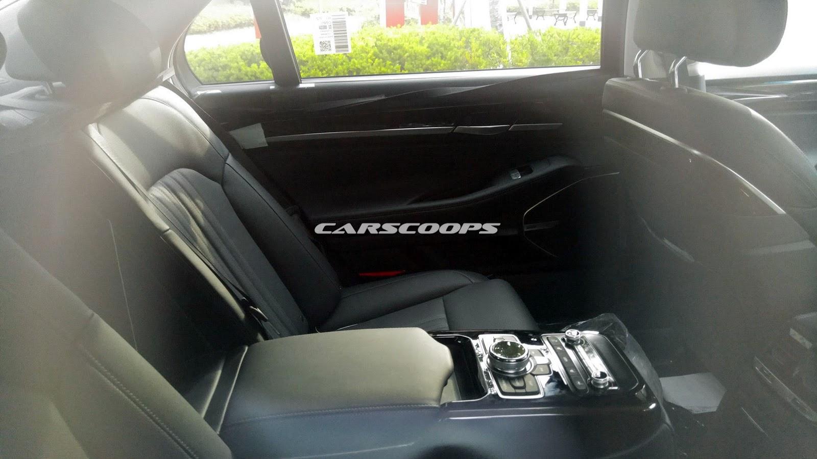 Spied: Back Seat of 2017 Hyundai Equus