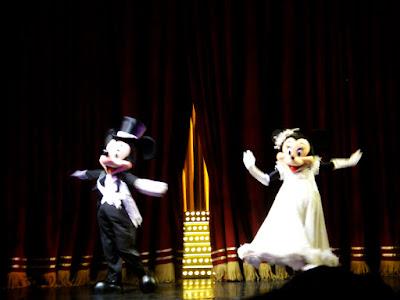 Mickey and MInnie Mouse at Hong Kong Disneyland Resort