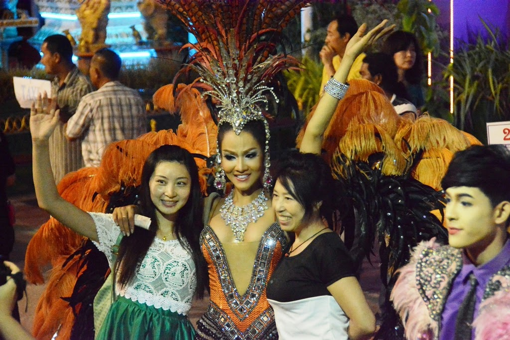 Simon Cabaret Phuket feathers