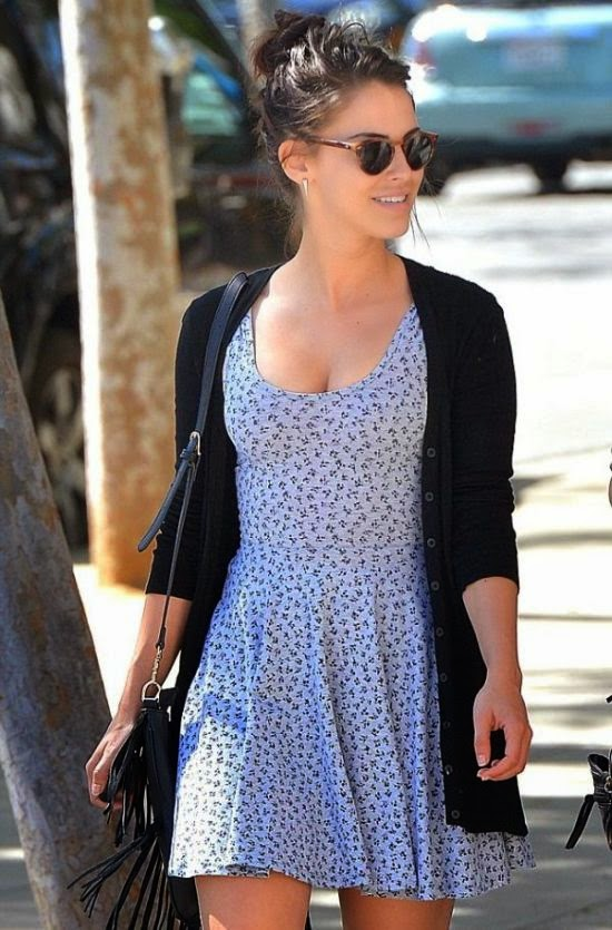 The 26-year-old was given free region to pile on the pounds as she was snapped to walking in a blue short dress at Cafe Zingue in Los Angeles on Friday, March 6, 2015.