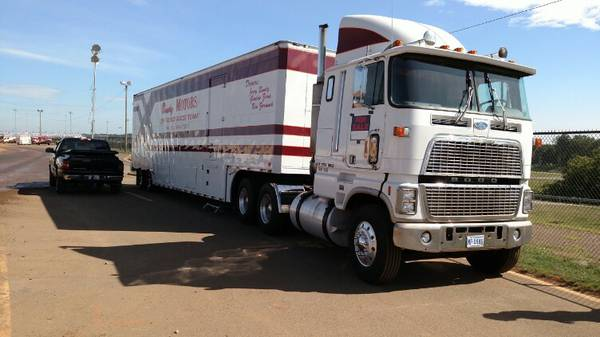 Ford 9000 truck cab submited images