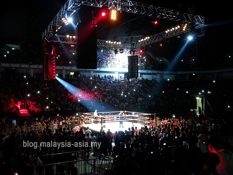 WWE Malaysia Live 2014 at Stadium Putra
