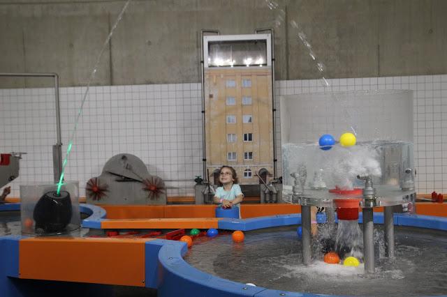 Игры с водой в Teaduskeskus Ahhaa