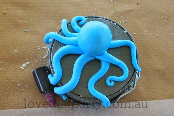 how to, fondant, cake tutorial, ocean party theme, under the sea party