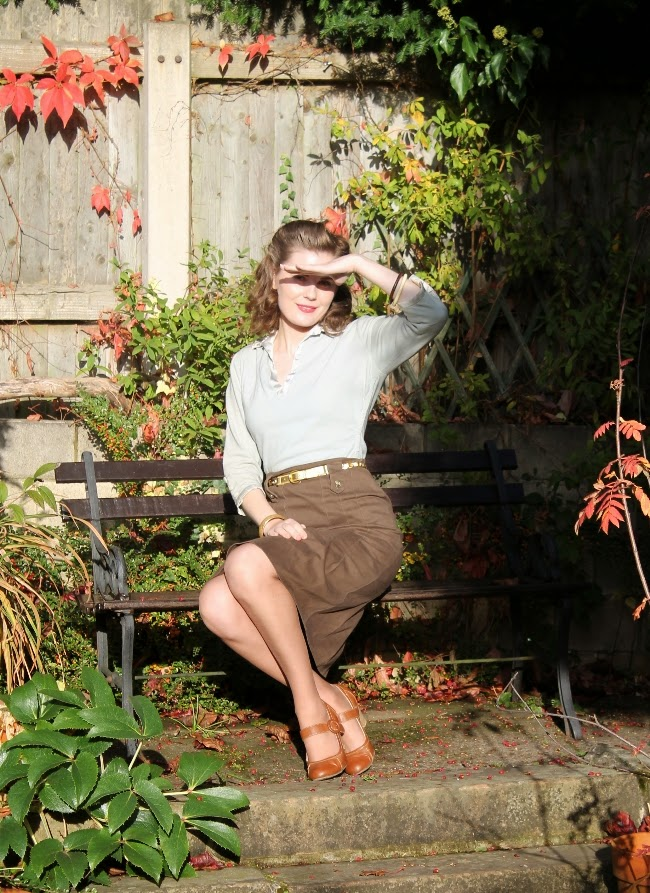 green 1940s outfit via lovebirds vintage