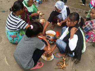 Lombok Tradition