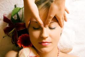 How to Do an Indian Head Massage: 5 steps